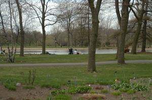 Du bucolique au romantisme, les émotions se déploient autour de l'étang