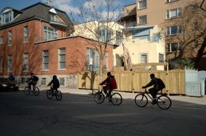 La sortie du vélo et en vélo, seul ou en groupe, augure la venue de l'été