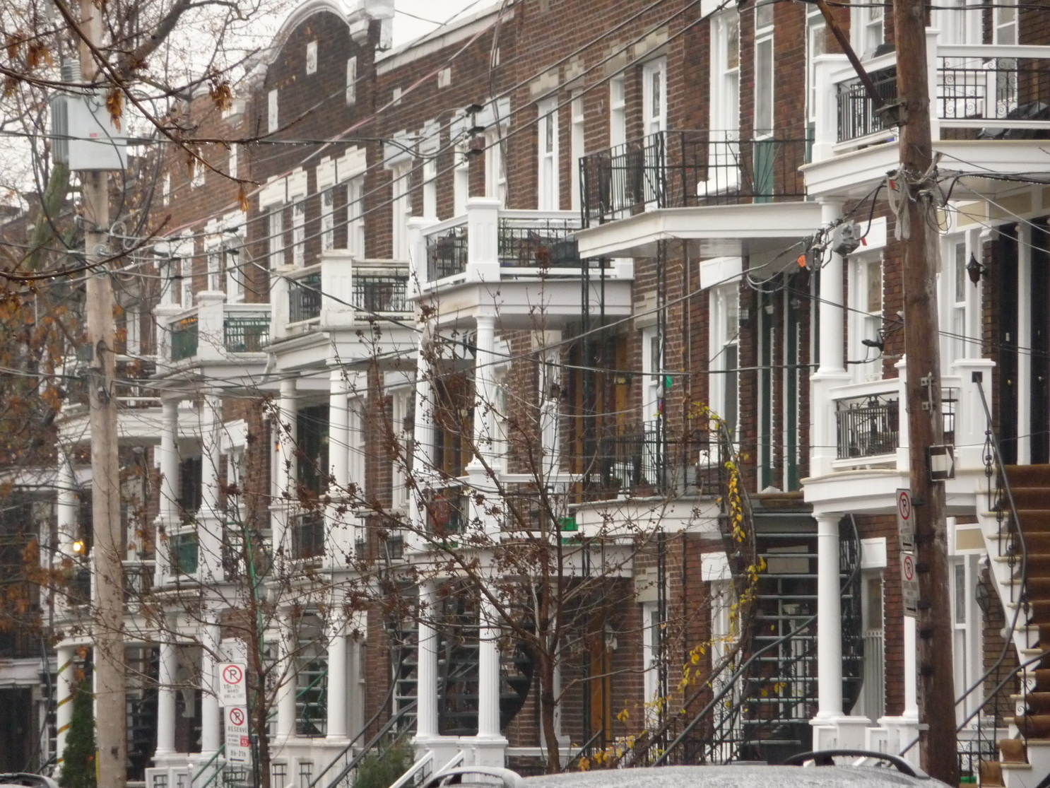 Les escaliers de montr al un d tour oblig les beaut s for A la maison de pierre et dominique montreal