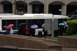 La sortie des parapluies est immédiate et instantanée ;-)