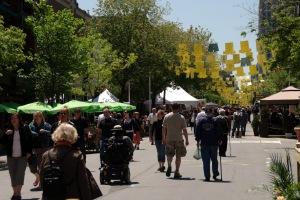 Depuis mai jusqu'en août, une portion de la rue Sainte-Catherine sera piétonnière