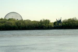 L'Homme, de Calder, et la Biosphère, de Richard Buckminster Fuller