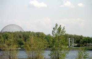 La conception du dôme géodésique de la Biosphère reste encore parmi les plus imposantes du monde
