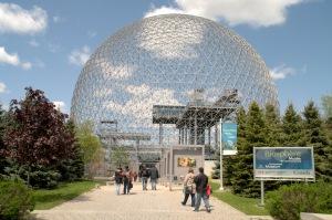 Buckminster Fuller estimait que nous devions apprendre à gérer la planète d'une façon plus respectueuse de l'équilibre fondamental des écosystèmes