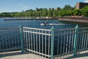 Les sports nautiques, motorisés ou non, sont pratiqués sur le lac Champlain