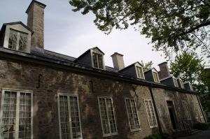Depuis 2002, le Musée présente une nouvelle exposition permanente illustrant l'histoire de Montréal et du Québec, de la préhistoire au début du XXe siècle