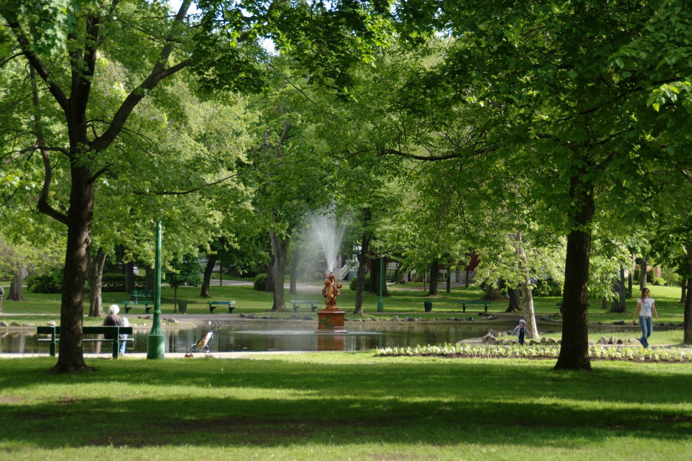 Y a t il place au silence dans un parc urbain les for O jardin des beautes