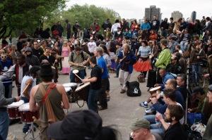 Un rassemblement qui caractérise la vie paisible de Montréal.