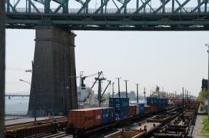 Le port de Montréal se démarque par l'exploitation de son propre réseau ferroviaire sur son territoire