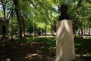 En plus d'Émile Nelligan, les poètes Gaston Miron et Gérald Godin, le cinéaste Gilles Carle, le pianiste André Gagnon ont vécu dans le quartier