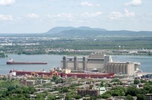 En 2004, 4 090 navires ont emprunté la section Montréal-lac Ontario et celle du canal Welland de la Voie maritime