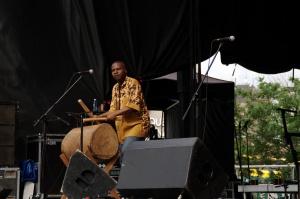 La tradition camerounaise prend les couleurs du monde
