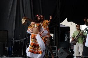 Le groupe n'hésite pas à explorer les tendances sources d'une musique d'origine africaine