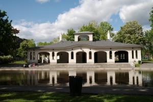 Du parc Bloomfield au parc Saint-Viateur, l'intelligence humaine est encore présente