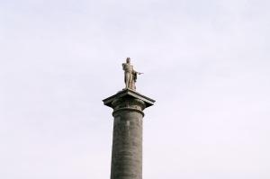 Au moment de sa mort en 1805, Nelson est considéré comme un héros et reçoit des funérailles nationales