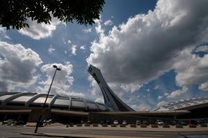 Le stade olympique peut contenir 53 858 personnes
