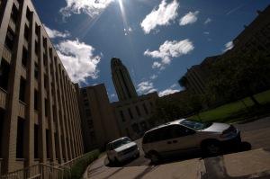 Le financement de l'Université de Montréal découle de 70 pour cent de subventions, de 14 pour cent des frais de scolarité et de 16 pour cent provenant d'autres revenus
