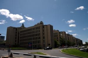 Le corps enseignant de l'Université et de ses écoles affiliées se composait, en 2008, de 6 856 professeurs