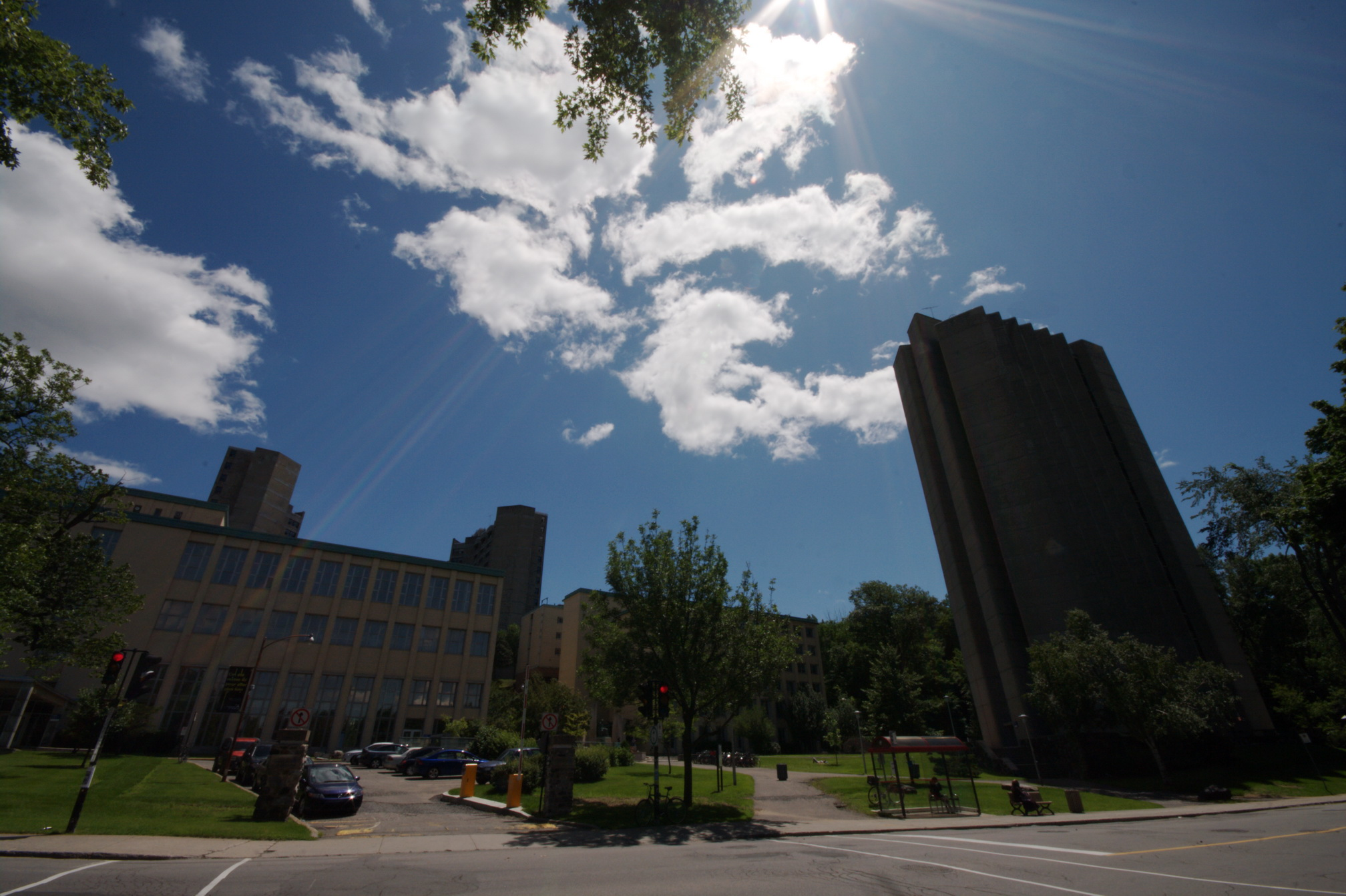 L universit de montr al la cit du savoir sur le mont - Residence les jardins de l universite ...