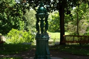 La Fontaine Wallace, de style néo-renaissance, a été créée par le sculpteur français Charles-Auguste Lebourg en 1872