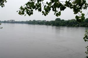 La Rivière des Prairies sépare l'Île de Montréal de Laval