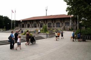 Le chalet de la montagne est aussi appelé le Château du Belvédère