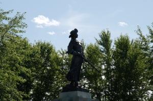 La statue de Madeleine de Verchères, la plus grande au Canada, a été réalisée par le sculpteur Louis-Phillipe Hébert et inaugurée le 21 septembre 1913