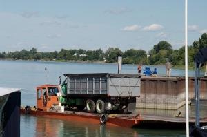 Le transport des véhicules et des marchandises ne trouble pas la quiétude du pêcheur