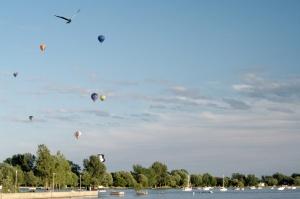 En 2001, pour ses 18 ans, le festival modifie son appellation et devient l'International de montgolfières de Saint-Jean-sur-Richelieu
