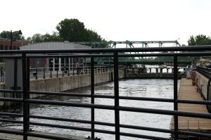 Montréal connaît son premier boom industriel à compter de 1848 avec le premier élargissement du canal de Lachine