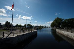 La piste du canal de Lachine, la plus fréquentée du Canada, s'étend sur 11,5 km, du Vieux-Port de Montréal jusqu'à Lachine
