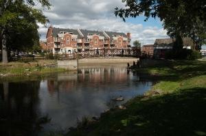 Amorcée en 1997, la revitalisation du canal de Lachine a permis de renforcer sa vocation patrimoniale. La navigation de plaisance est autorisée depuis 2002