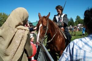 Retour au Village médiéval où se déroulaient des combats de chevaliers