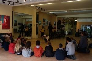 Au grand plaisir de toutes et de tous, deux élèves ont lancé un défi au professeur ;-)
