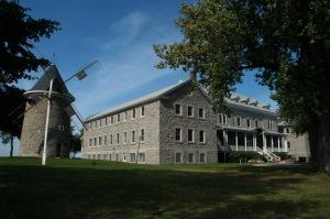 Une découverte saisissante : le moulin banal de Pointe-Claire classé bien culturel le 8 avril 1982