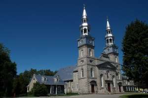 Dos à la Rivière-des-prairies, la magnifique église de la Visitation