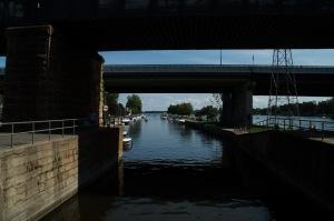 Le canal de Sainte-Anne et les canaux de l'Outaouais serviront principalement au transport du bois en direction de Montréal jusqu'en 1919
