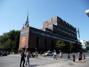 La Télé-université accueille annuellement plus de 17 000 étudiantes et étudiants