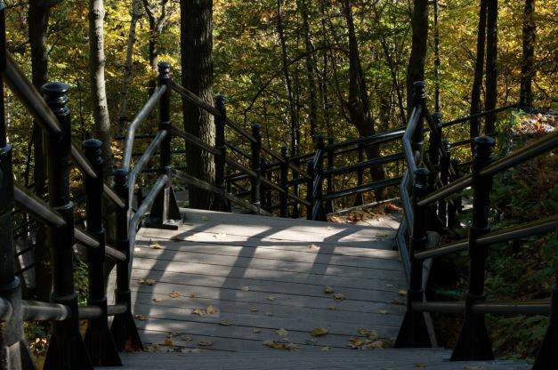 Un escalier qui nous éloigne ou qui nous rapproche de la ville...