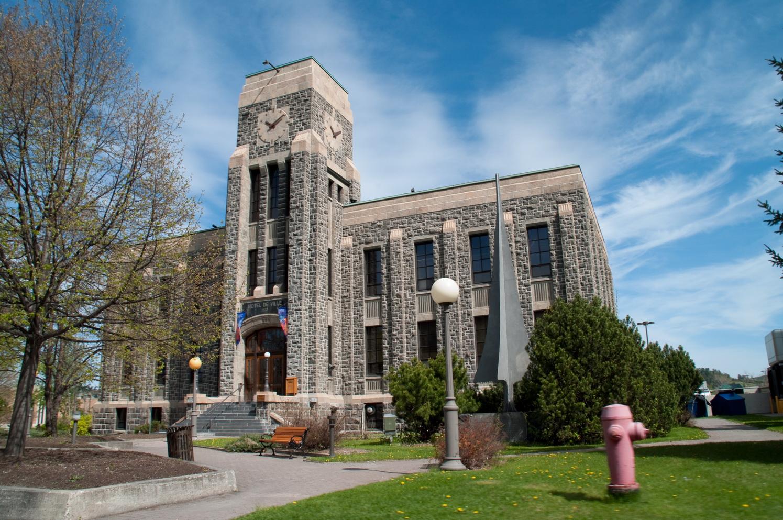 Saguenay une ville une rivi re les beaut s de montr al for A la maison blanche torrent