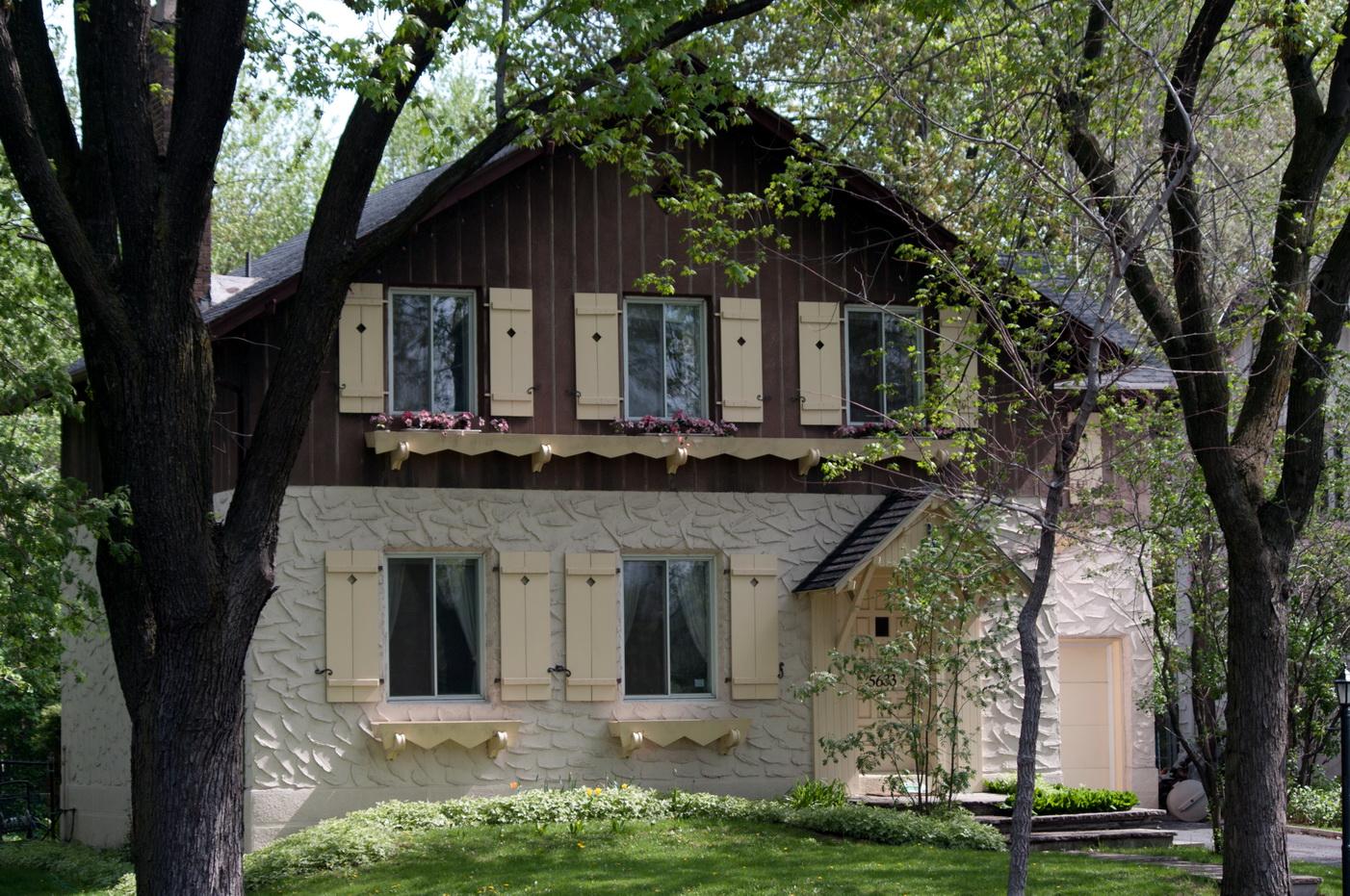 17 juin 2010 les beaut s de montr al. Black Bedroom Furniture Sets. Home Design Ideas