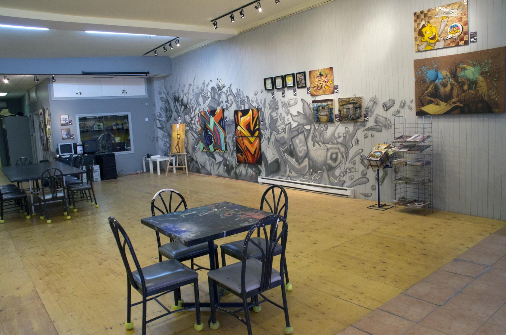 De l art de la rue aux vernissages les beaut s de montr al for Home decor 86th street