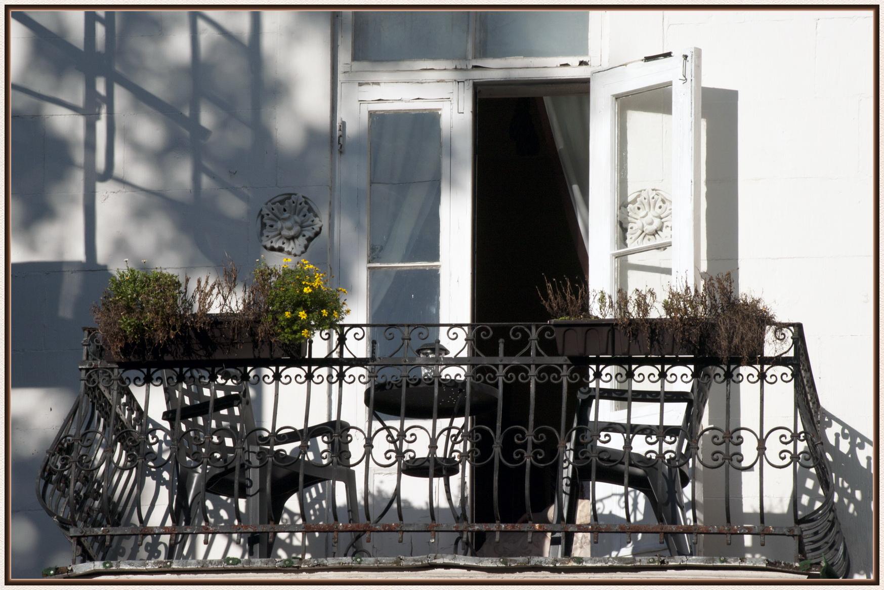 une baguette magique les beaut s de montr al. Black Bedroom Furniture Sets. Home Design Ideas