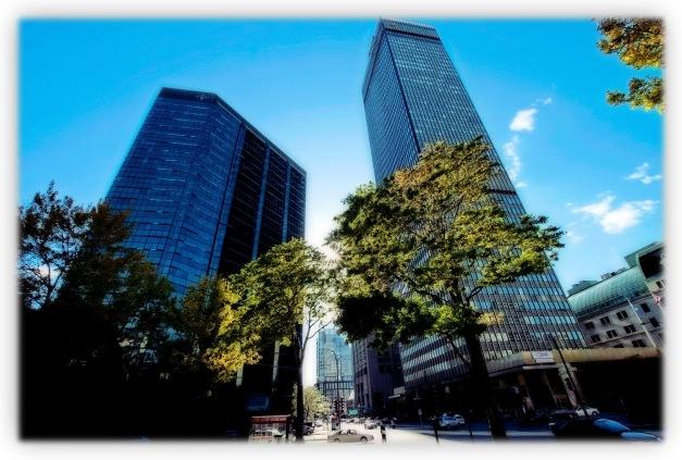 Les mille et un visages de Montréal, au coeur de l'automne, toute baignée de lumières et d'ombres