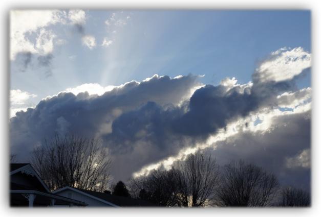 Regardez-moi ce ciel qui grommelle du sort qui est fait à la Terre, aurait pu se dire l'ouragan Sandy