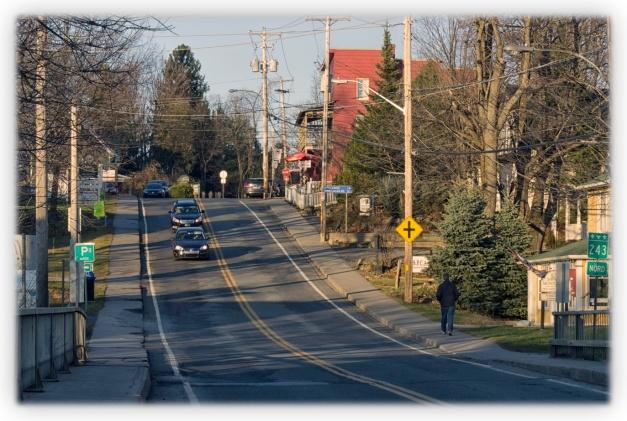 Routes du Québec, paysages d'automne, visions d'une fin d'automne, villes et villages d'automne