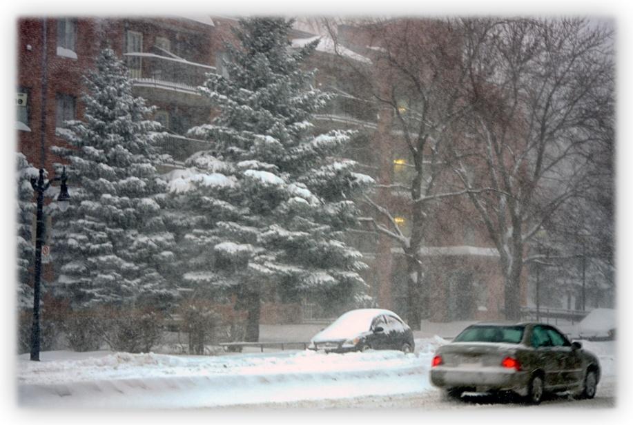 Tempête de neige et poudrerie sur Montréal
