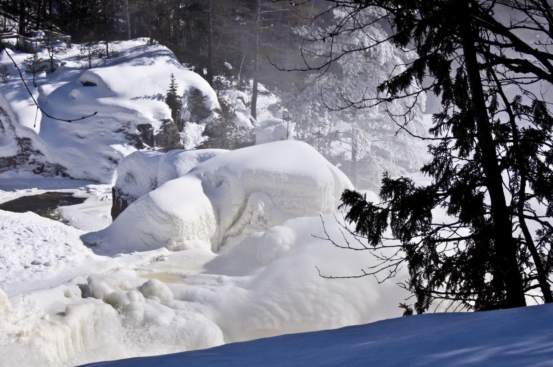 Canada quand la glace pouse les formes du relief du pays for Dans quel sens tourne la terre
